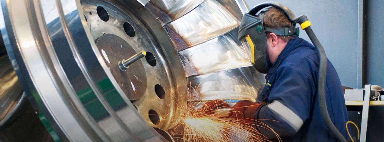 واحد تخصصی در بازسازی و تعمیر تجهیزات سنگین